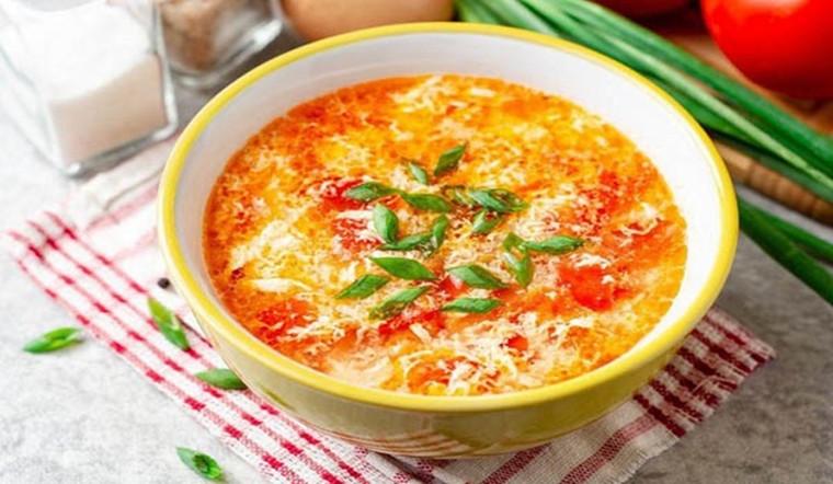 Nước luộc cà chua và trứng thêm thành phần này, độ ngon nhân lên