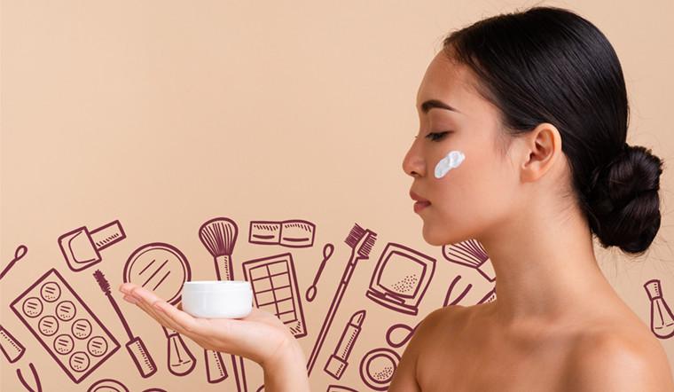 4 sản phẩm dưỡng da bạn nên thay đổi khi chuyển mùa