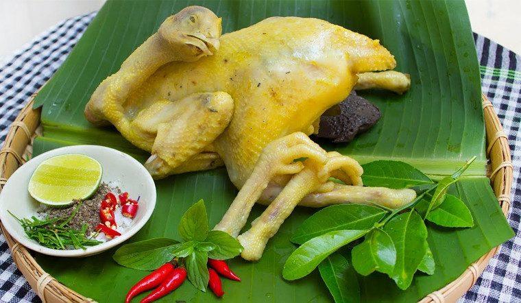 Mách chị em 3 cách luộc gà 'đúng điệu', thịt gà mềm ngọt mà không bị rách da