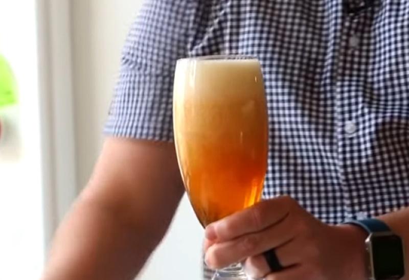 cách tốt nhất để rót bia