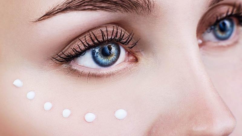 Bảo vệ vùng da quanh mắt