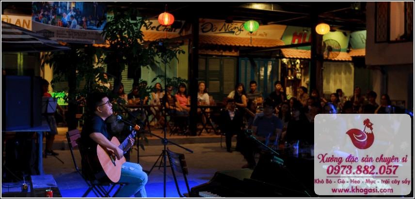 Chợ đồ cổ tại Café Cao Minh