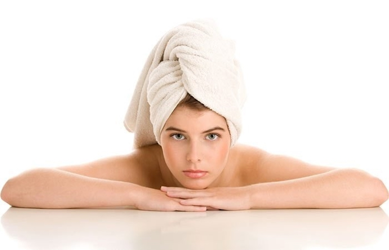 Nên chăm sóc tóc trước khi thực hiện