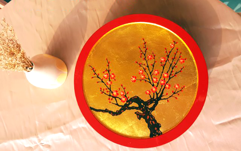 là sản phẩm sơn mài mạ vàng 100% thủ công với họa tiết cây anh đào