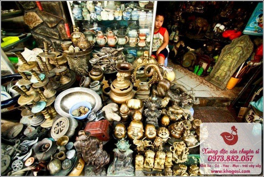 Chợ Đồ Cổ Lê Công Kiều